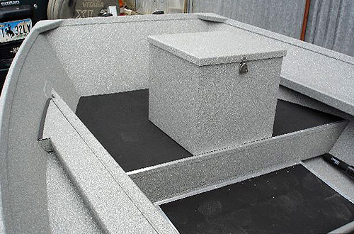 Level Front Floors / Pedestal Box